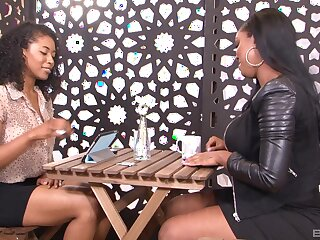 Ebony models Jamie Sullivan and Laytin Denton pleasure each other