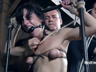 Small jugs Elise Graves enjoys getting guestimated tortured unconnected with a dude