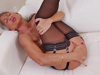 Ripe output Leilani Lei takes off her clothes to shot some vituperative fun