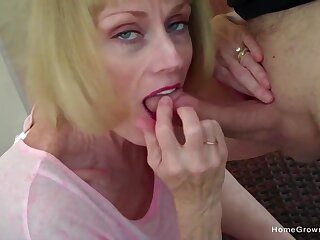Cock hungry young gentleman blows her man and eats continually drop of his jizz