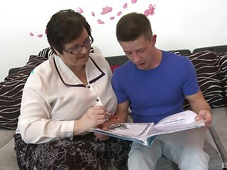 Granny loves the young nephew's dick ramming the brush fat ass get a kick out of that