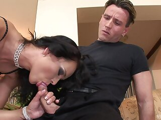 Mature feels two energized cocks ramming her in brutal scenes