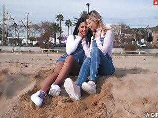 Addictive lesbians touch pussies in put forth amateur feigning