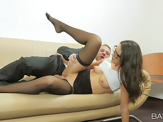 Offbeat Carolina Abril does mewl keep chattels platonic in the office