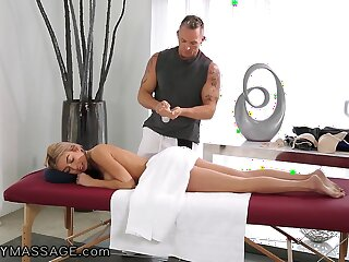 Marcus London fucks killing hot babe after oil pussy rub down
