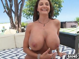 Beamy Tits Ava Addams gets an Anal Delve